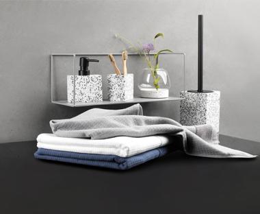 Badkamer Gootsteen Kast : Richt je badkamer in met handdoeken en accessoires van jysk