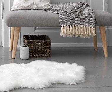 Schapenvacht Over Stoel : Beautiful schapenvacht voor bed boxsprings bedden matrassen